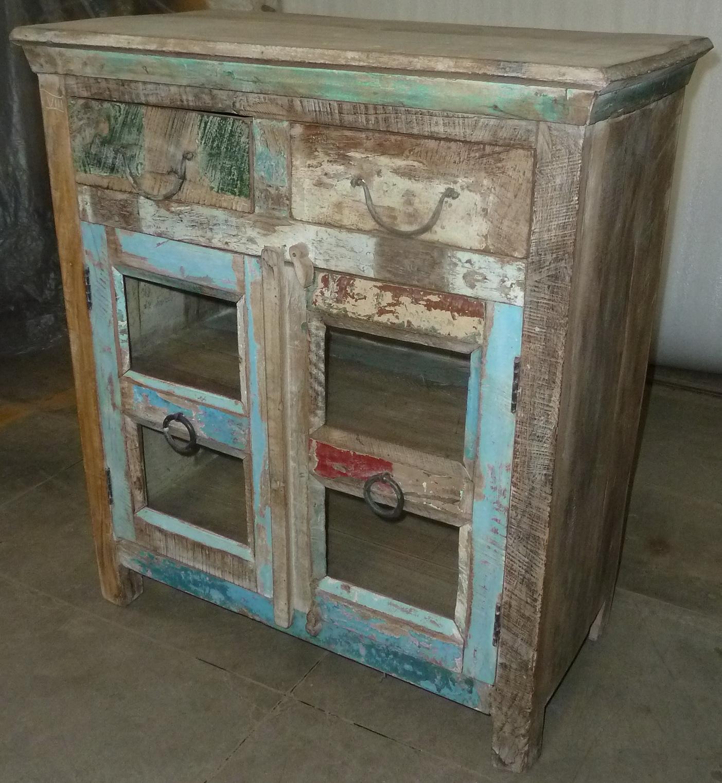 vintage kommode mit glast ren inspirierendes design f r wohnm bel. Black Bedroom Furniture Sets. Home Design Ideas
