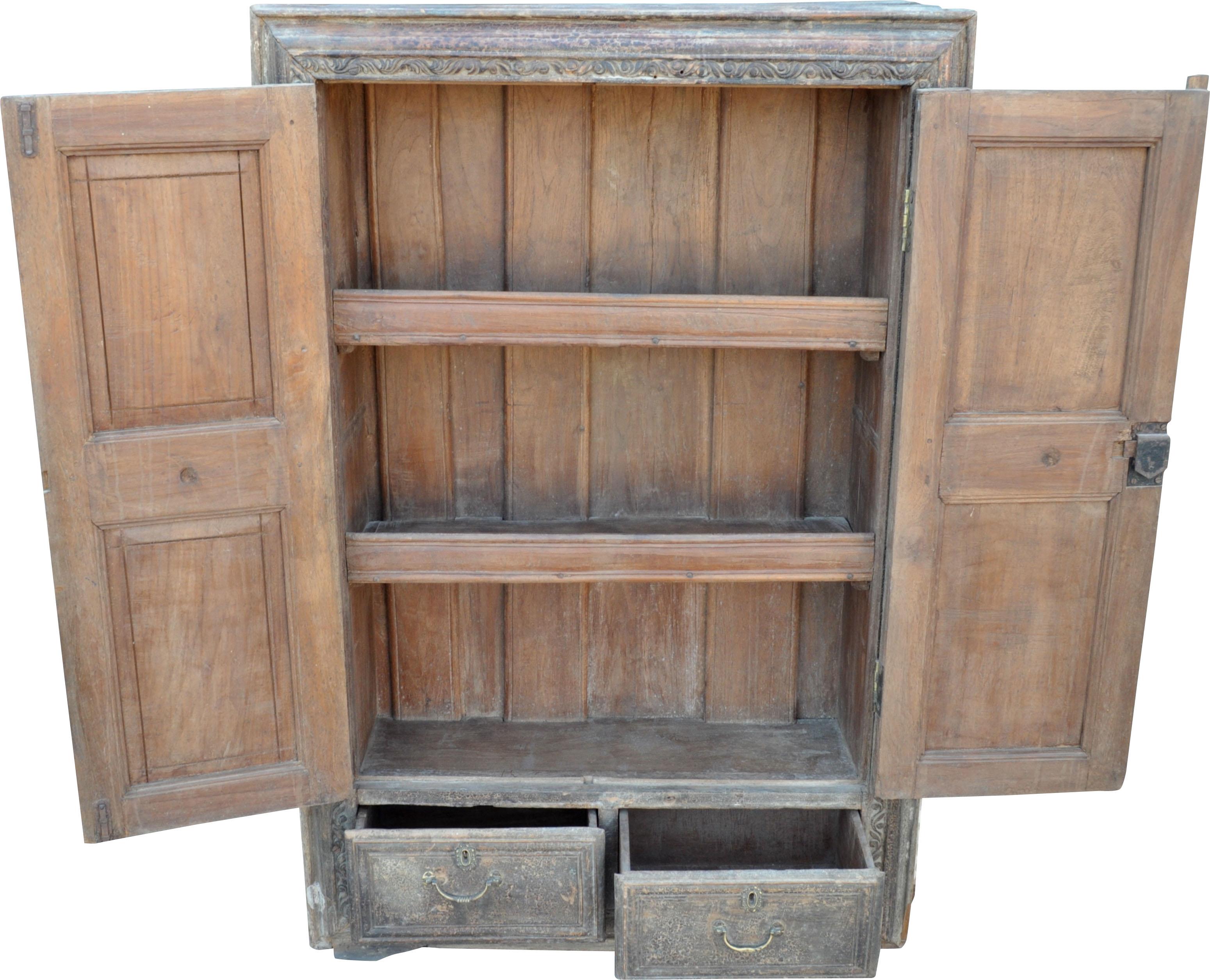 Schrank mit schubladen schrank collectors kabinet schrank for Schrank quillt auf