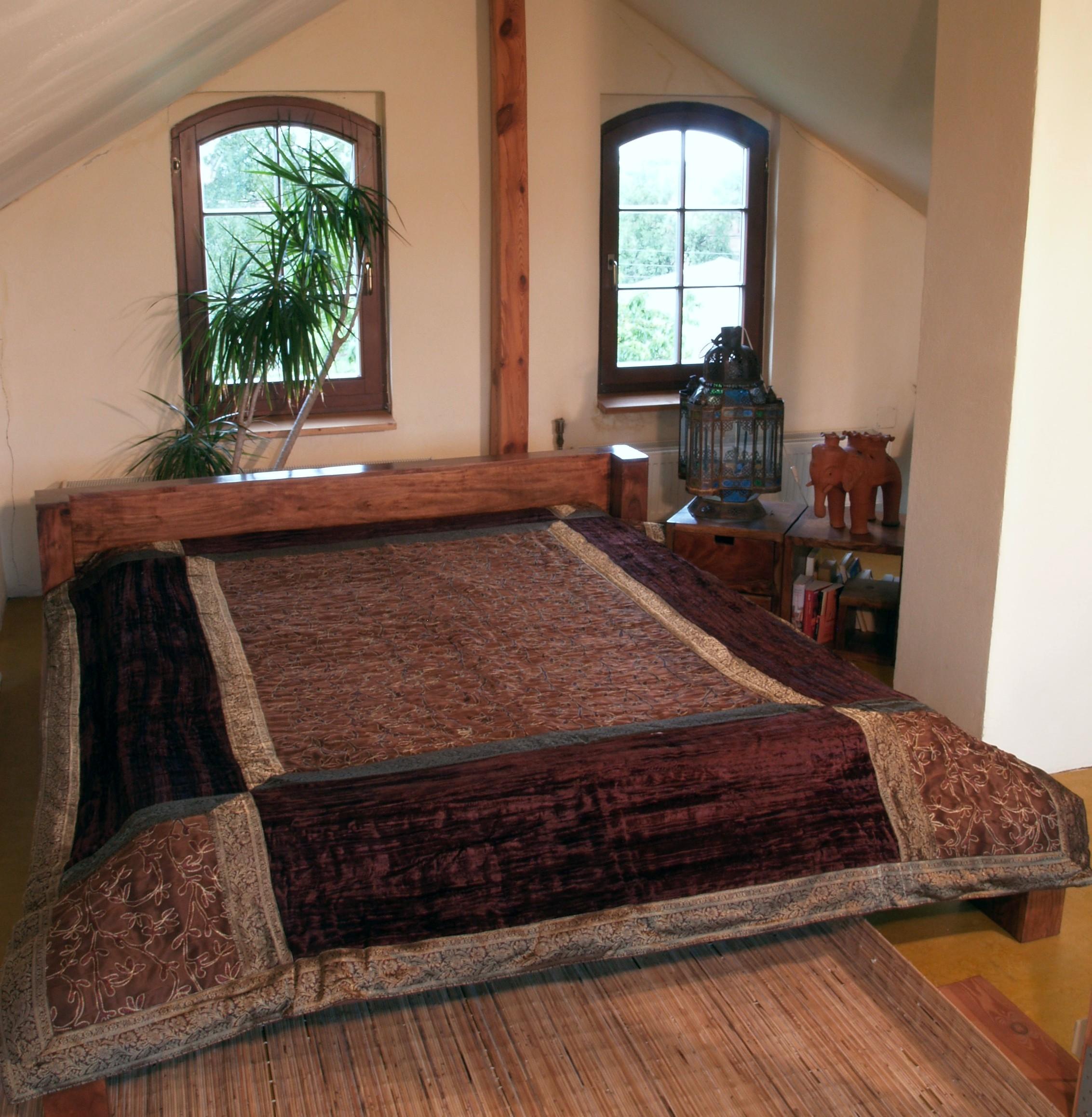 brokat samtdecke tagesdecke braun. Black Bedroom Furniture Sets. Home Design Ideas